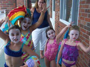 children wearing sunscreen